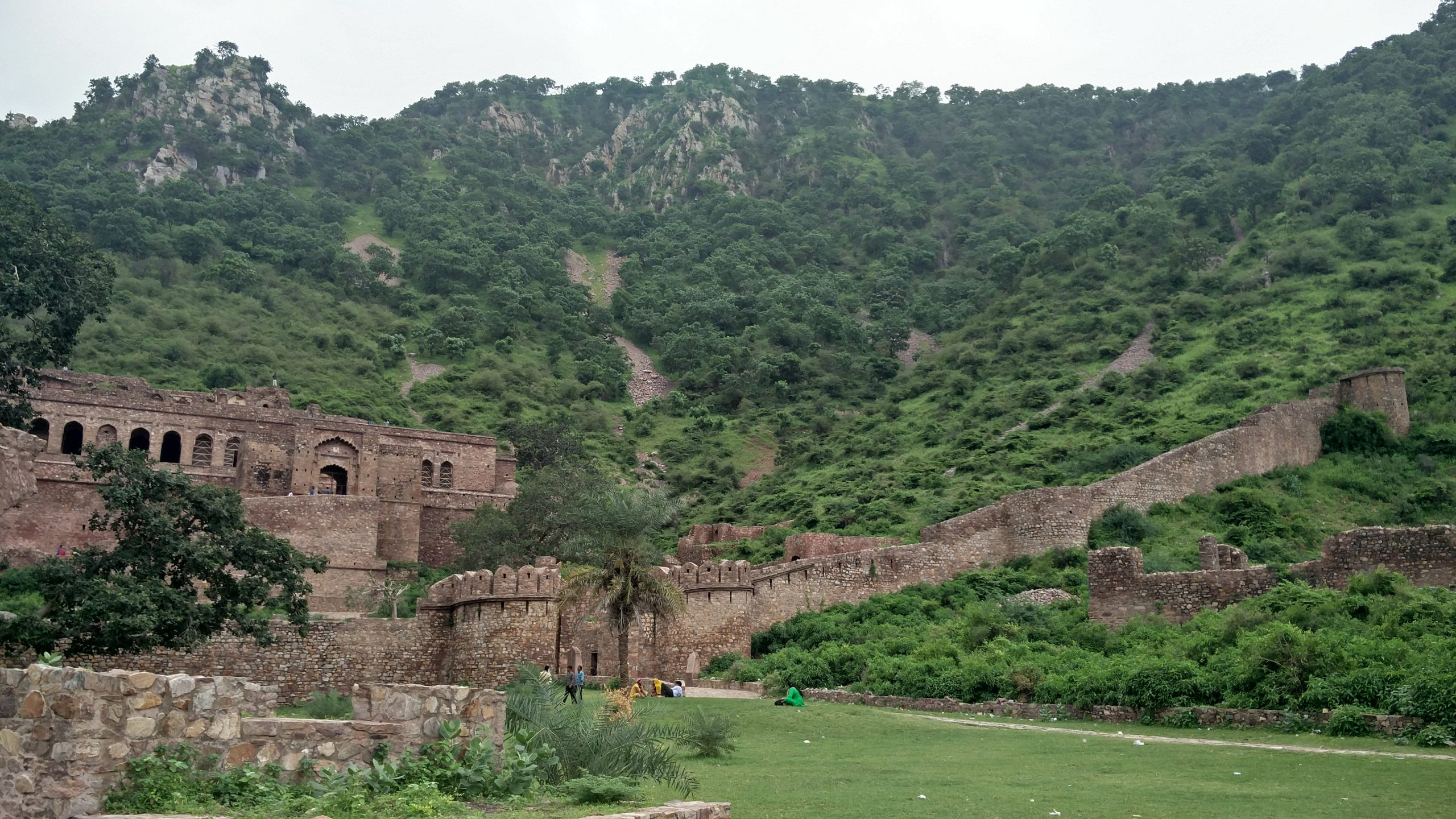 Bhangarh_fort_of_alwar