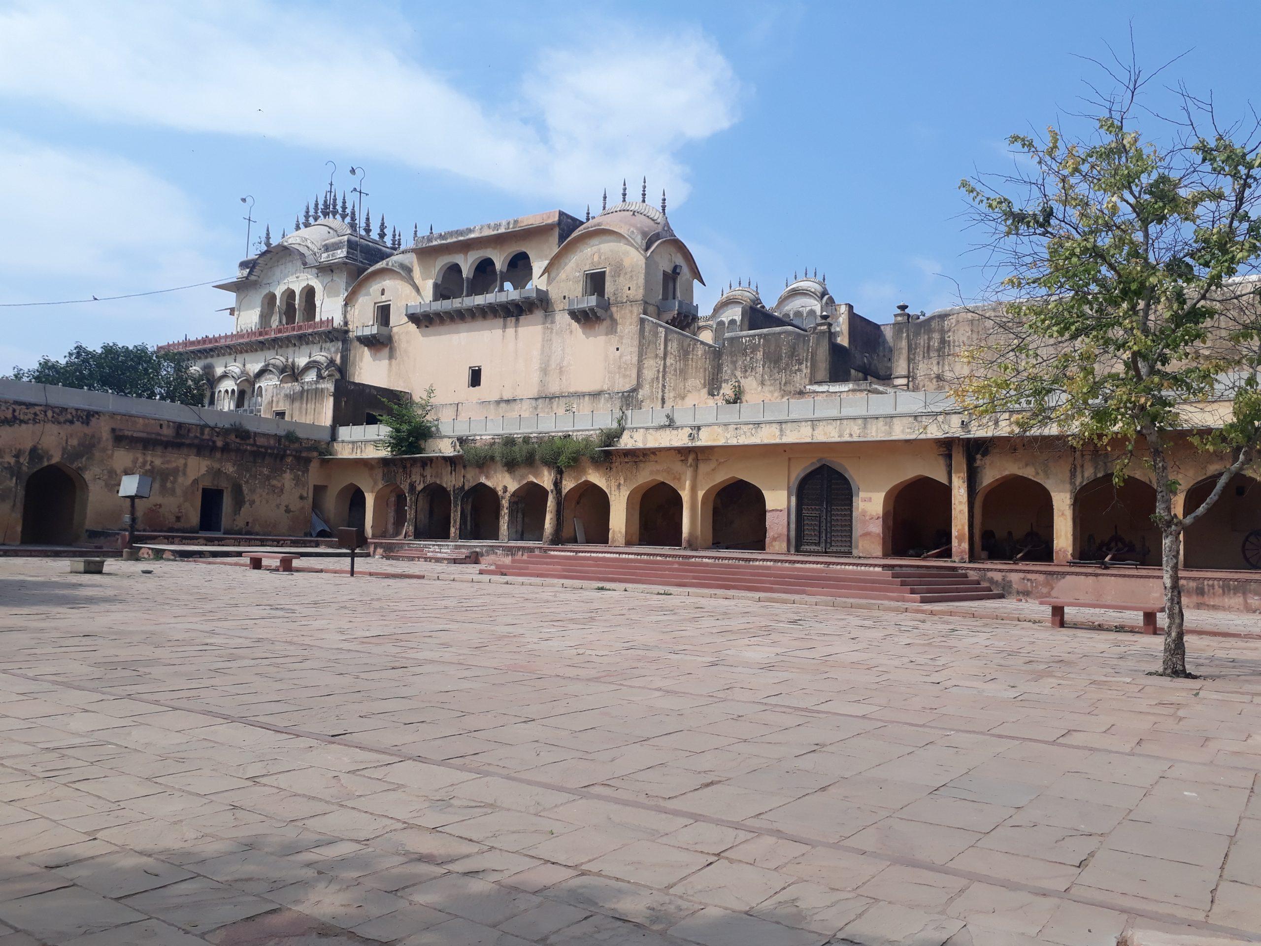 Alwar_fort_or_Bala_Quila_alwar_rajasthan